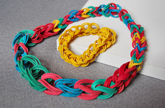rubber band necklace and bracelet chain