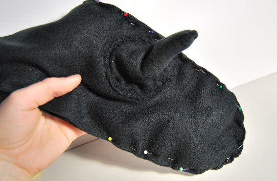 fleece mittens pin together