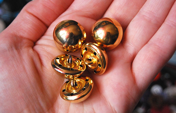 gold loop buttons