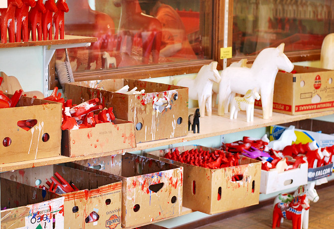 dala horse factory in sweden painting