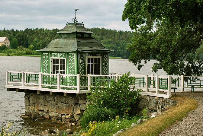 18th century pagoda in sweden