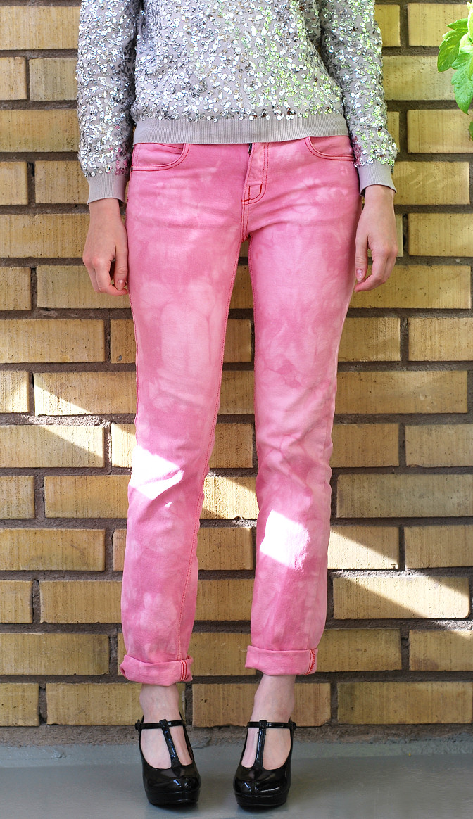 bleached red jeans diy tutorial