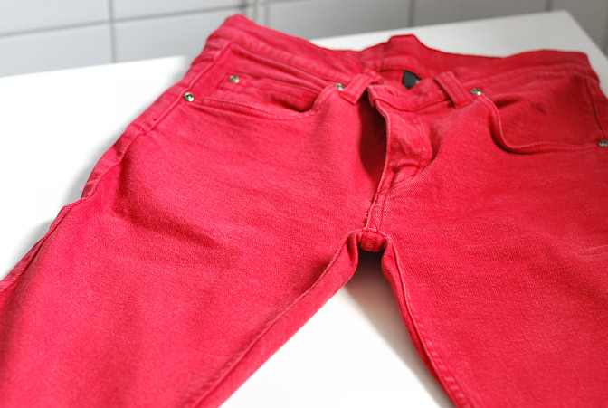 before bleaching red jeans