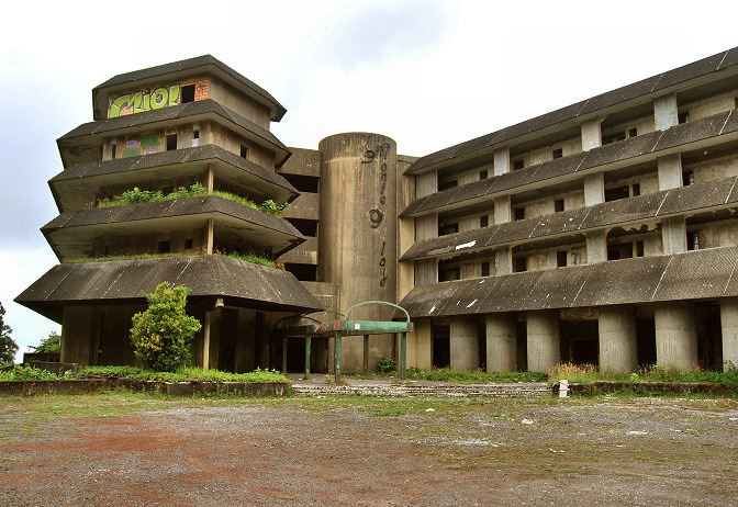 abandoned ghost hotel in azores cete citades