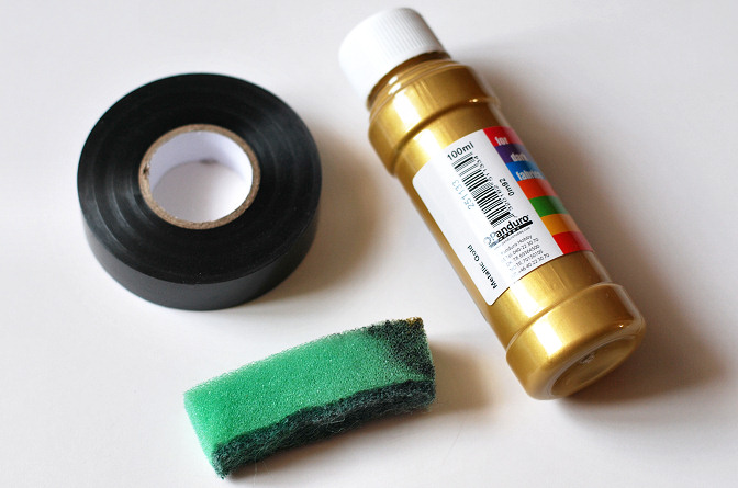 textile paint gold color