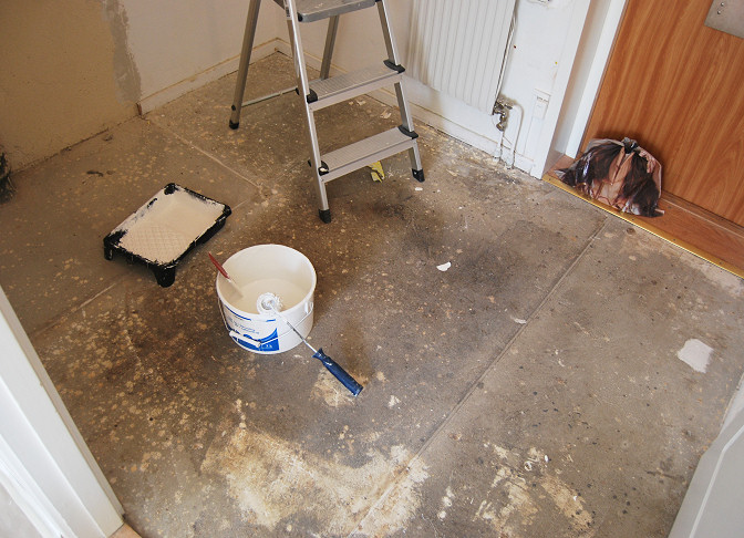 concrete floor unpainted