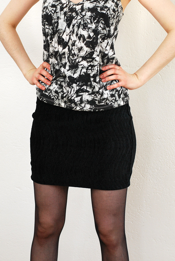 black velvet stretchy mini skirt diy