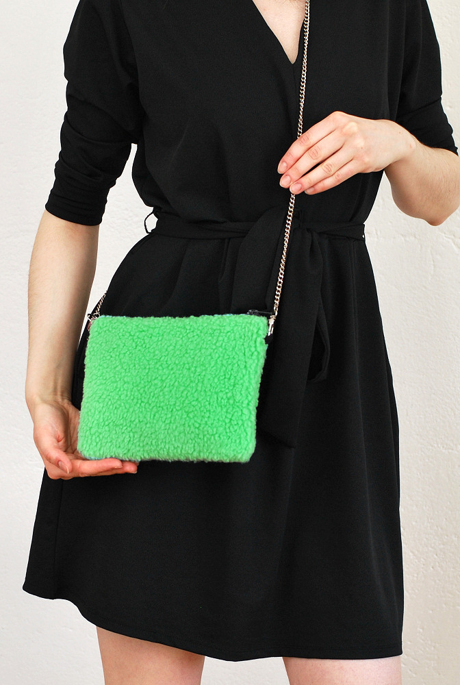 fluffy green bag diy 1