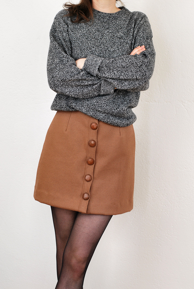 diy wool skirt with leather buttons